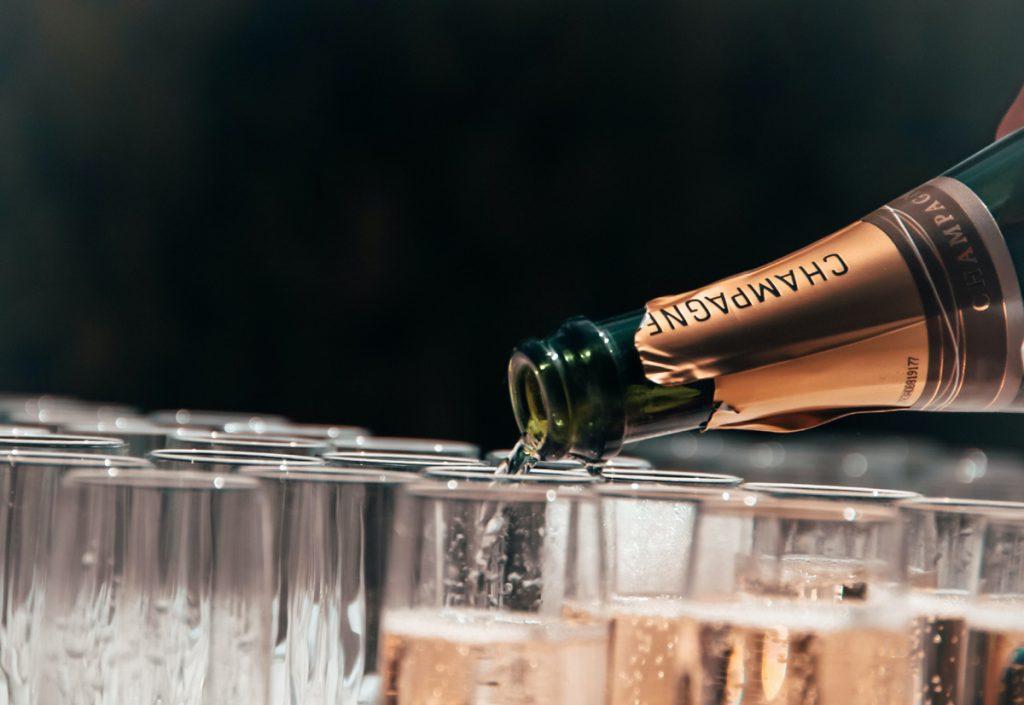 爽やかな泡と繊細な味わい、フランスワインのスパークリングおすすめ3本